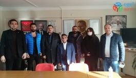 BORNOVA CHP'DE MUTLU EDEN YENİ KAYITLAR