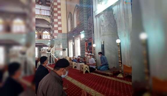 Genç hafızlar Filistin için dua etti