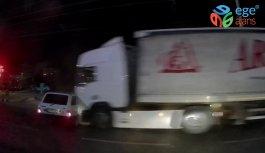 Manisa'da Otomobil Tırın Altında Kaldı