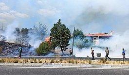 Son dakika: Muğla'da yangın! Kara yolu ulaşıma kapatıldı