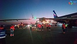 Rusya'da uçakların kanatları birbirine...