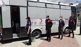 Uşak polisi, Kızılay'a kan bağışında...