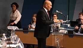 """Tunç Soyer: """"Küresel sorunların çözümü yerelde"""""""