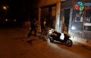 Bornova da Feci Olay Gece Yarısı Ev Bastı, 2 Ağır...