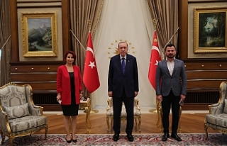 Başkan Saliha Özçınar Kutlu ve eşinden Cumhurbaşkanı...