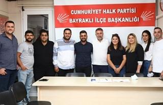 Başkan Sandal CHP Bayraklı Gençlik Kolları'yla...