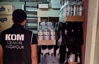 İzmir'de 400 bin liralık kaçak ürün ele...