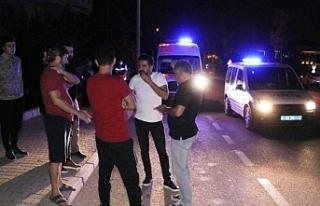 İzmir'de devrilen motosikletin genç sürücüsü...