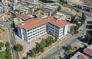 Depremde yıkılan okullar ne zaman tamamlanacak?