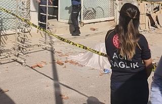 İnşaattan beton zemine düşen adam hayatını kaybetti