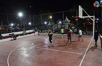 Çan Belediyesi yeni basketbol sahası yapımını tamamladı ve mevcut halı saha yeniledi