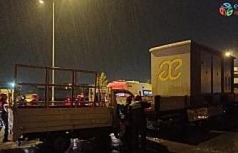 Sivas'ta kamyonet park halindeki tıra arkadan çarptı: 1 yaralı