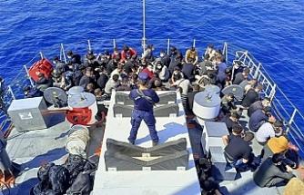 İzmir açıklarında düzensiz göçmen hareketliliği