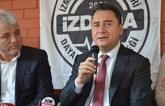 Babacan İzmir'de ilk durağı depremzedeler oldu: Yerele yetki çağrısı