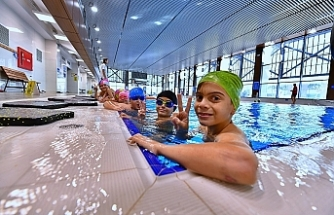 Geleceğin yüzücüleri Havuz İzmir'de yetişiyor
