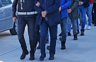 İzmir merkezli FETÖ operasyonunda 82 tutuklama