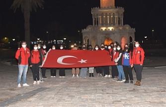İzmirli 20 öğrenci 4 günlük gezi için yola çıktı