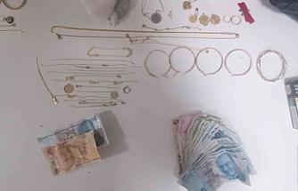 Şehidin evine girip hırsızlık yapmışlardı: Tutuklandılar