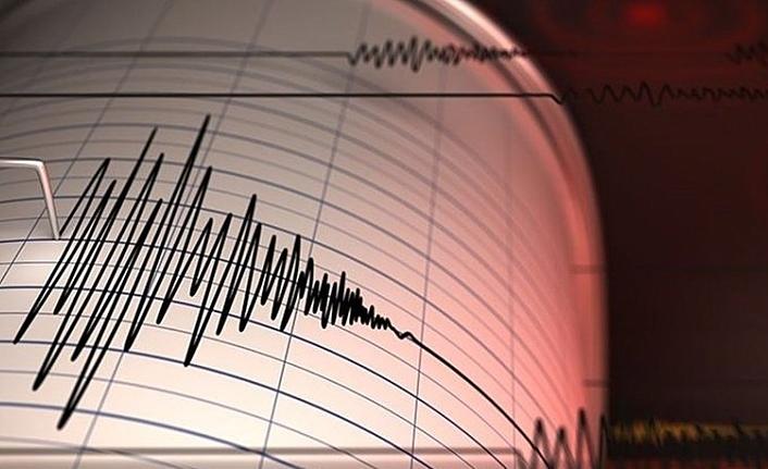 Akdeniz'de 6 büyüklüğünde deprem! İzmir dahil çok sayıda ilde hissedildi
