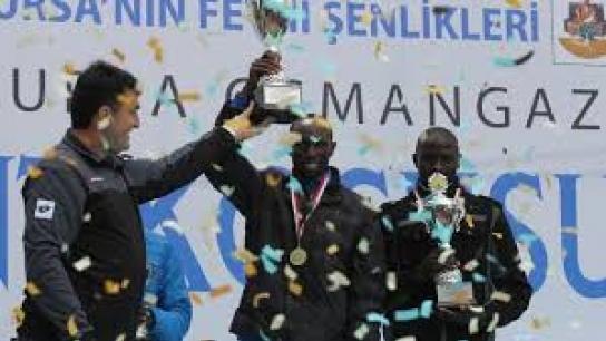 Osmangazi maratonuna Kenyalılar damga vurdu